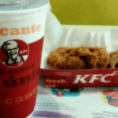 Photo taken at KFC by Larissa C. on 11/16/2012