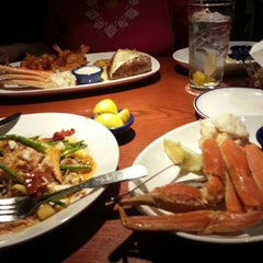 Photo taken at Red Lobster by Bill B. on 1/17/2014
