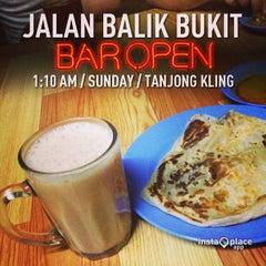 Photo taken at Barkat Roti John by Mokhtar A. on 1/12/2013