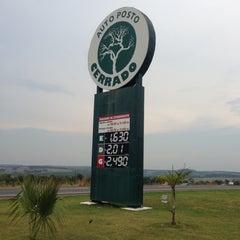 Photo taken at Auto Posto Cerrado by Thiago R. on 10/12/2012