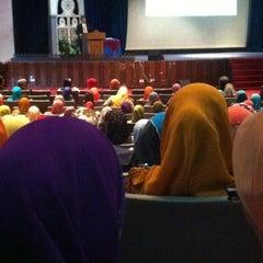 Photo taken at Majlis Agama Islam Negeri Johor by Nur H. on 2/5/2013
