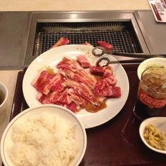 Photo taken at 焼き肉 宝島 市毛店 by Kanazawa H. on 11/24/2014