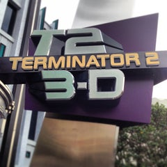 Photo taken at Terminator 2 3-D: Battle Across Time by Leonardo C. on 3/11/2013