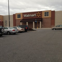 Photo taken at Walmart Supercenter by Luis O. on 12/21/2012
