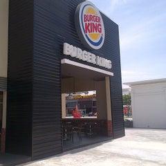 Photo taken at Burger King by Felix S. on 3/10/2013