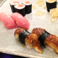 Photo taken at Defune Sushi Restaurant by R . on 12/8/2012