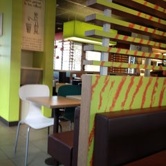 Photo taken at McDonald's by Nath D. on 11/22/2012