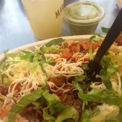Photo taken at Chipotle Mexican Grill by Bryant F. on 6/15/2013