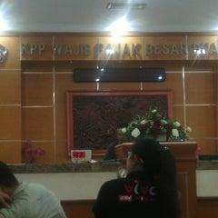 Photo taken at KPP Wajib Pajak Besar Dua (LTO 2) by Agung W. on 2/28/2013