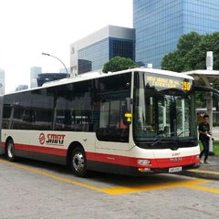 Photo taken at SMRT Buses: Bus 190 by 陈杰伦 (. on 7/31/2013