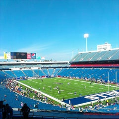 Photo taken at Ralph Wilson Stadium by Kiyoshi K. on 10/1/2013
