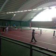 Photo taken at Kronprinsens Tennishall & Tenniscenter by Mike C. on 3/9/2013