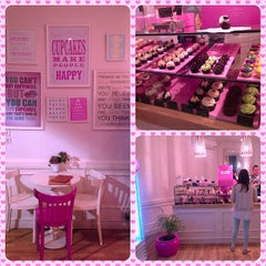 Photo taken at Crumbs by Helis L. on 10/19/2012
