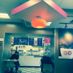 Photo taken at Dunkin' Donuts by Korima Y. on 1/25/2016