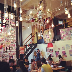 Photo taken at カフェ ゼノン (CAFE ZENON) by irohiroki on 10/22/2012