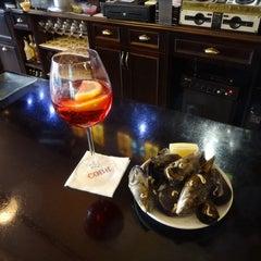 Photo taken at Cobh Irish Pub by Maru P. on 3/21/2014