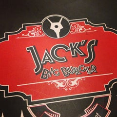 Photo taken at Jack's Burger & Grill by Rapha G. on 2/8/2013