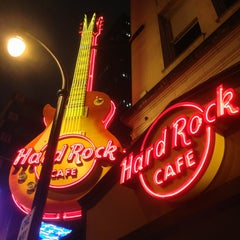 Photo taken at Hard Rock Cafe Atlanta by Iván V. on 7/4/2013