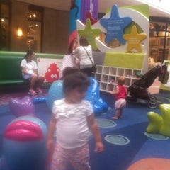 Photo taken at Westfield Fashion Square Play Area by Raul G. on 8/10/2013