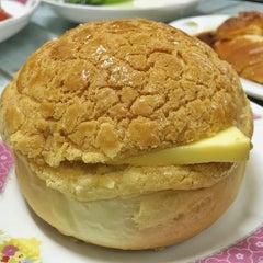 Photo taken at 查餐厅 | Cha's Restaurant by GiB km on 1/8/2016