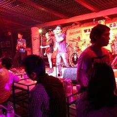 Photo taken at Warm Up Café (วอร์มอัพ คาเฟ่) by kwanggg L. on 3/29/2013