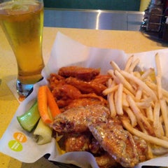 Photo taken at Buffalo Wild Wings by Edgar G. on 10/15/2012