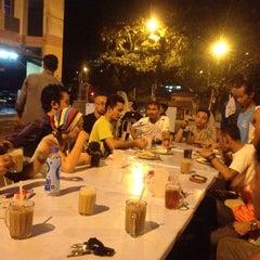 Photo taken at Restoran Mannusalwa by Boboy danial A. on 8/4/2012