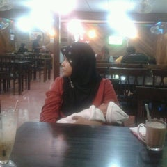 Photo taken at BJ Tomyam & Seafood by Rosli C. on 11/23/2011