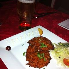 Photo taken at Martin's Tandoori Restaurant by Jon T. on 4/11/2011