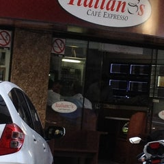 Photo taken at Italiano's Café Expresso by Rubiam A. on 7/2/2012