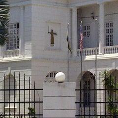 Photo taken at Mahkamah Tinggi Ipoh (High Court) by Tomaso on 7/25/2012