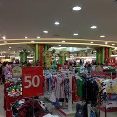 Photo taken at Matahari Department Store by Henry Setiawan on 7/29/2012