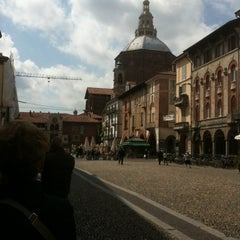 Photo taken at Piazza della Vittoria by Adele N. on 4/23/2012