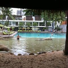 Photo taken at Hard Rock Cafe Pattaya by page on 8/8/2012
