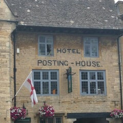 Photo taken at Stow-on-the-Wold by Elsa S. on 8/15/2015