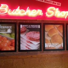 Photo taken at Fuddruckers by Sherman O. on 1/24/2013