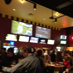 Photo taken at Buffalo Wild Wings by Jose P. on 11/11/2012