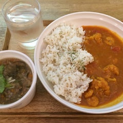 Photo taken at Soup Stock Tokyo 京急品川店 by judoh m. on 9/1/2015