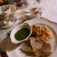 Das Foto wurde bei Restaurant Loystubn, Thermenwelt Hotel Pulverer ***** von Marussia K. am 2/18/2013 aufgenommen