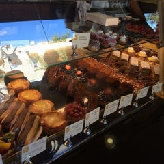 Photo taken at Croissant Gourmet by Naris W. on 10/19/2014