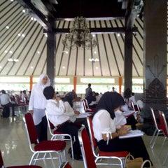 Photo taken at Sekolah Tinggi Pertanahan Nasional (STPN) by Dee N. on 11/11/2012