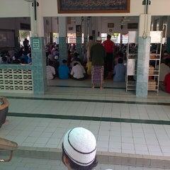 Photo taken at Masjid Al-Mukminun by Zul H. on 6/21/2013