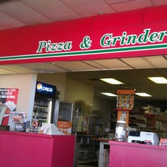 Photo taken at Mancino's Pizza And Grinders by Melody L. on 10/24/2012