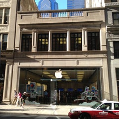 Photo taken at Apple Store, Walnut Street by Marcio A. on 5/2/2013