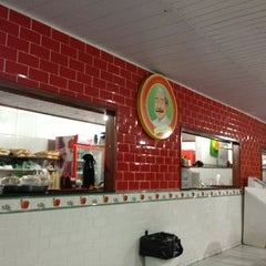 Photo taken at Portuga Lanches by Sávio F. on 2/9/2013
