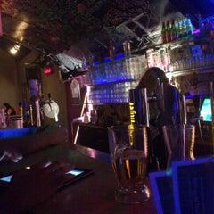 Das Foto wurde bei Wombata City Bar von Sami O. am 1/4/2013 aufgenommen