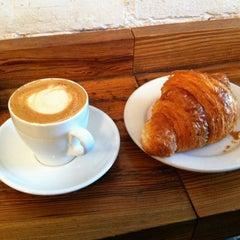 Photo taken at Ninth Street Espresso by Kevin K. on 11/10/2012