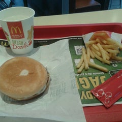 Photo taken at McDonald's by Sarvesh B. on 1/28/2014