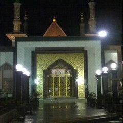 Photo taken at Masjid Raya At Taqwa Kota Cirebon by heri e. on 1/29/2013
