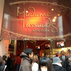Photo taken at Madame Tussauds New York by Vinnie L. on 12/27/2012